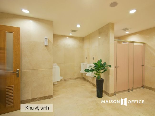 VCCI Restroom_MaisonOffice