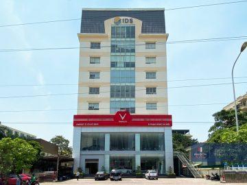 Tòa nhà số 8 Phạm Hùng
